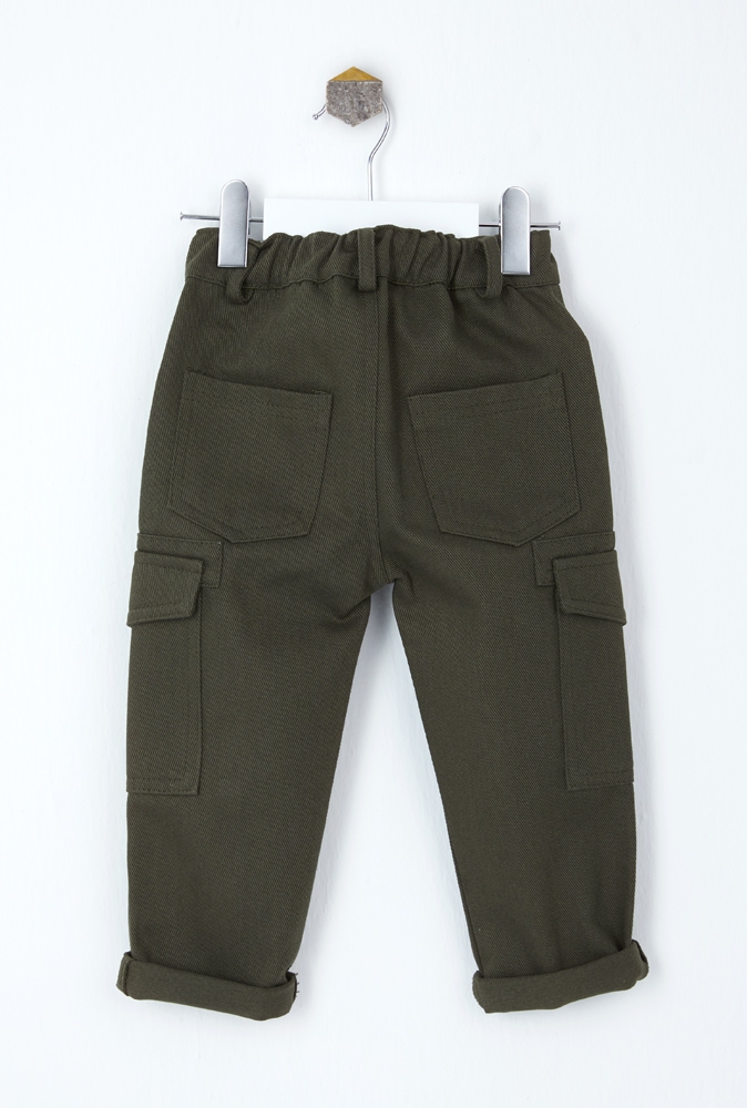 Cargo trousers with large pockets
